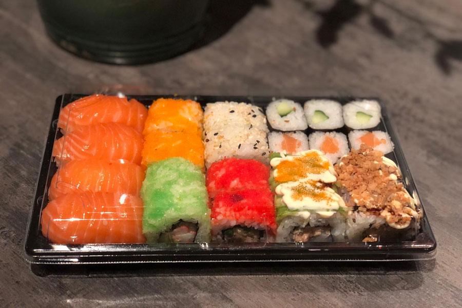 Sushi box € 14,90