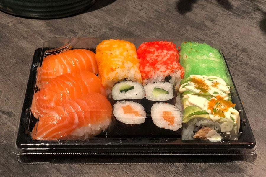 Sushi box klein € 8,90